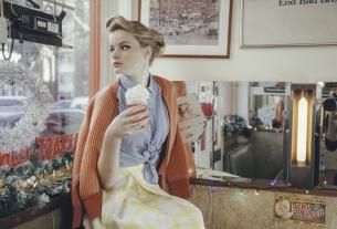50s Diner Girl